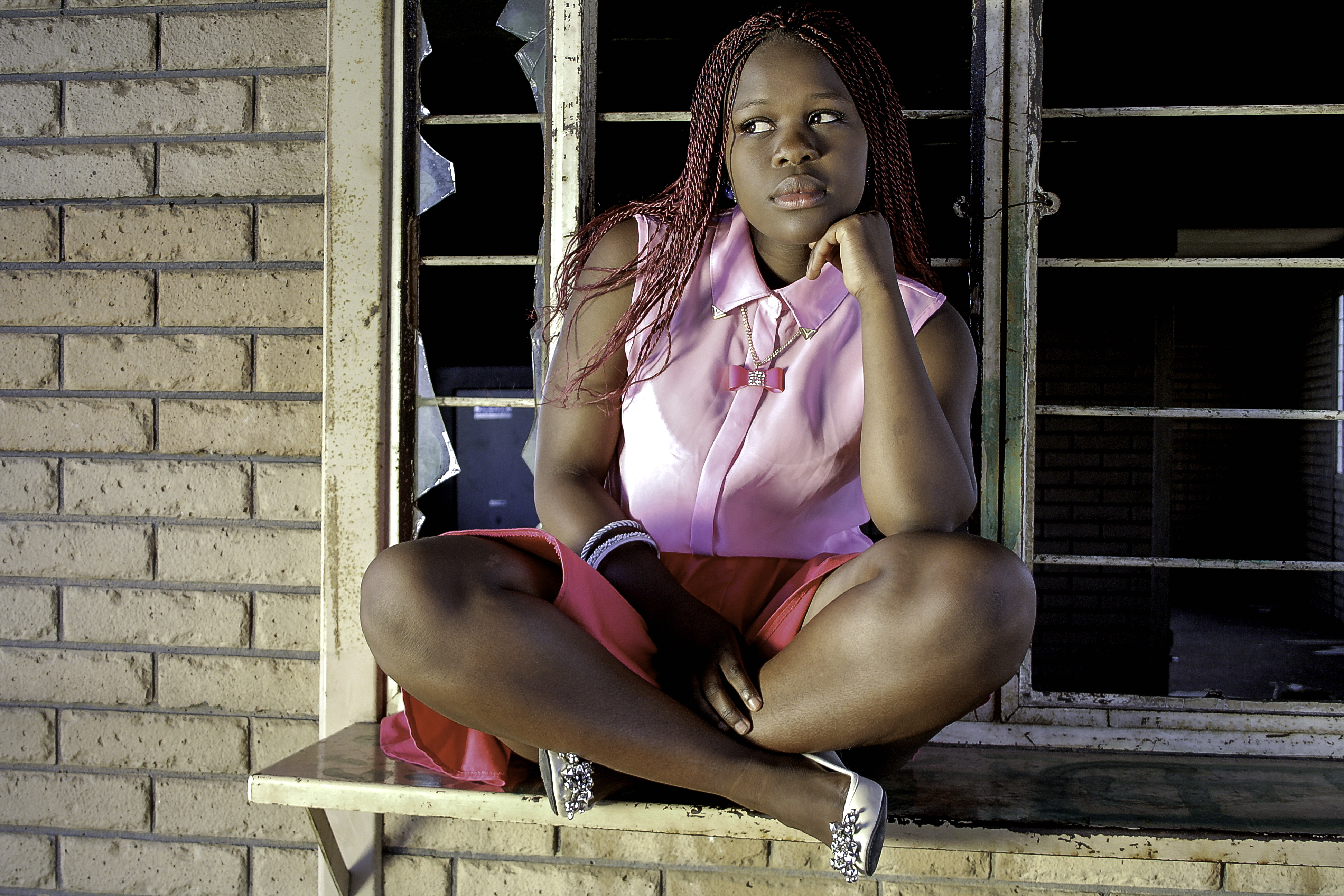 ©Nathi Khumalo,Keneliwe @Old Mzinhhlope station Pink